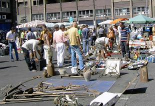 30apr09 catania merce rubata al mercatino delle pulci for Mercatino delle pulci catania